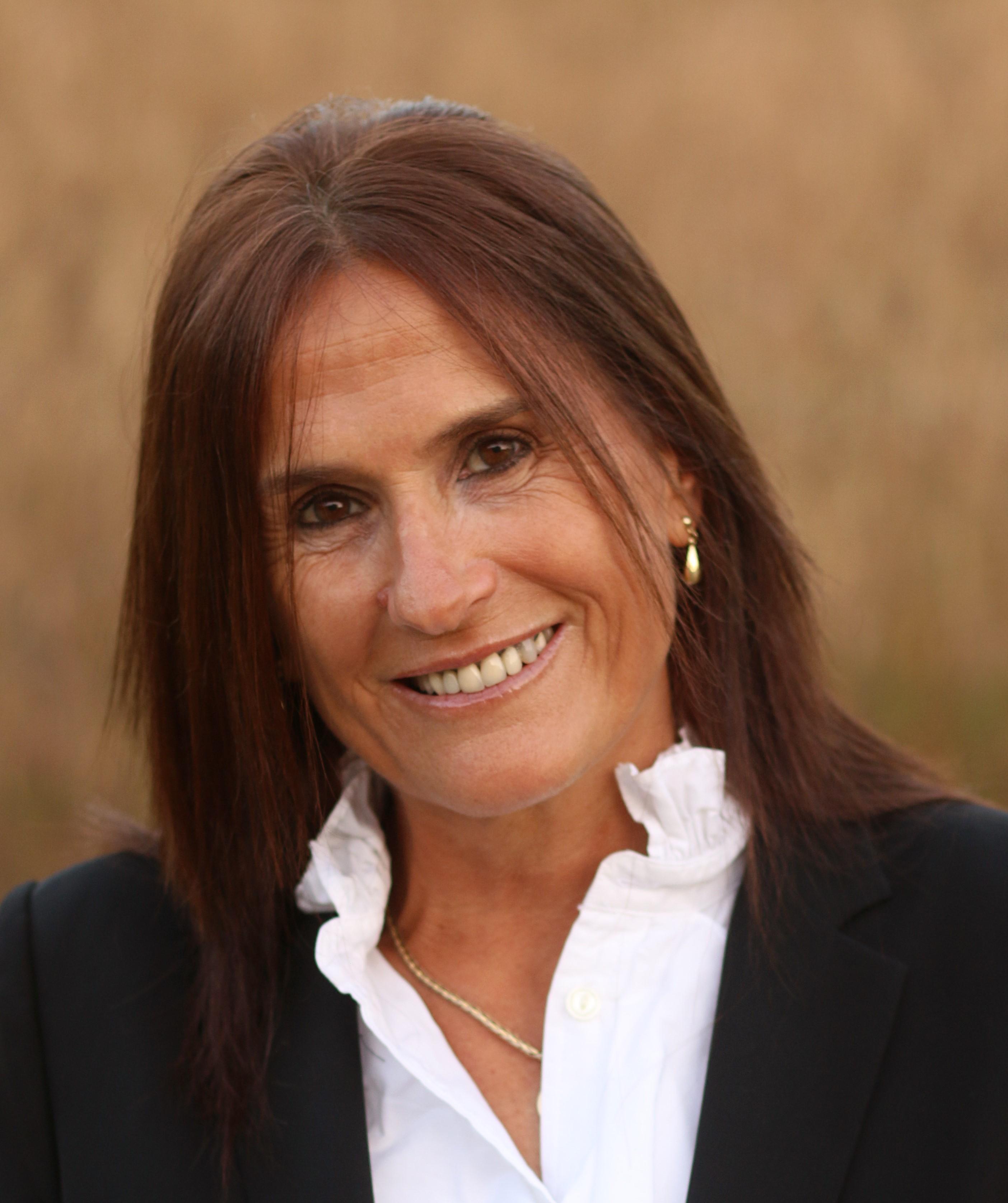 Josefina Hirsh